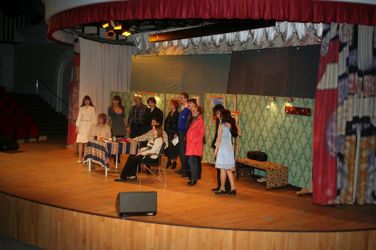 ZhESTOKIE-IGRY-na-scene-Gimnazii-OGI-2009-god